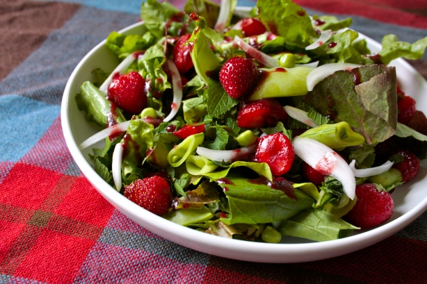 snowpea strawberry salad